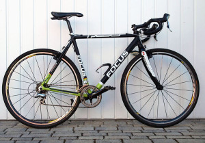 Grün-schwarzes Crossrad von Focus