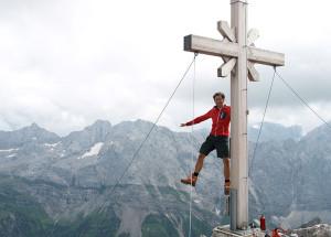 Am Gipfelkreuz Gamsjoch