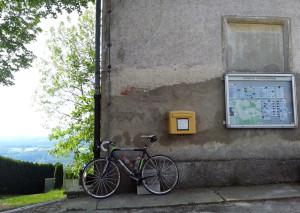 Rennrad an Mauer Hohenpeissenberg
